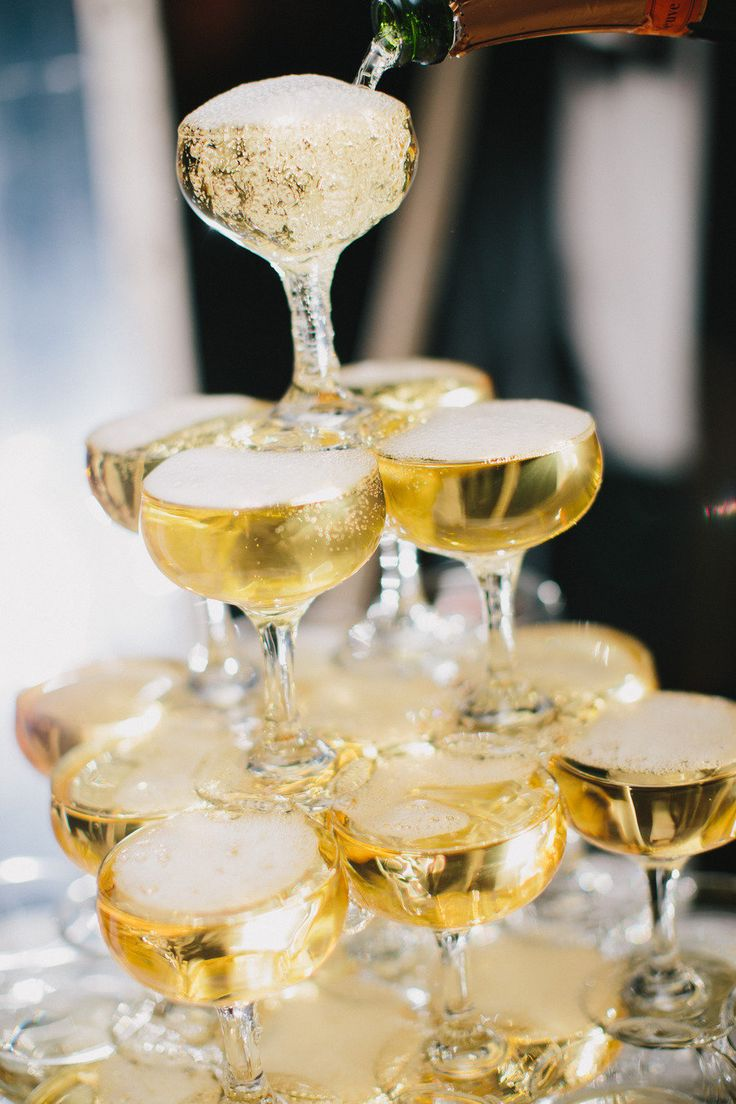 How To Build A Champagne Tower In 5 Simple Steps Steve The Bartender